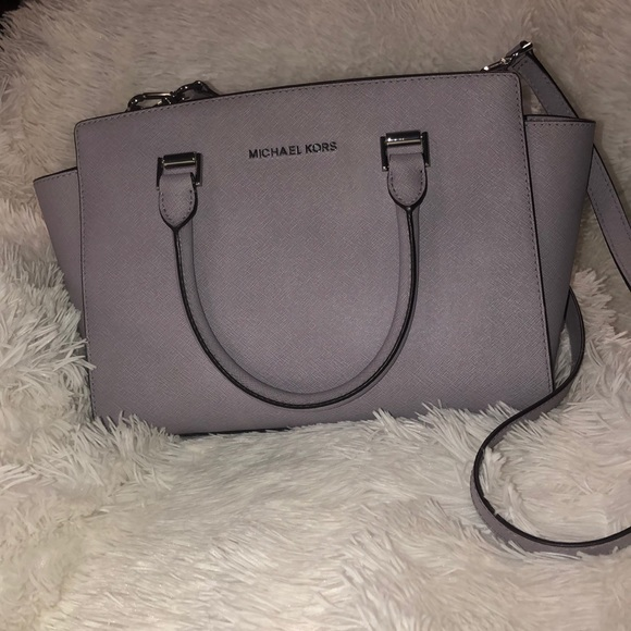Michael Kors Handbags - Authentic Michael Kors purse